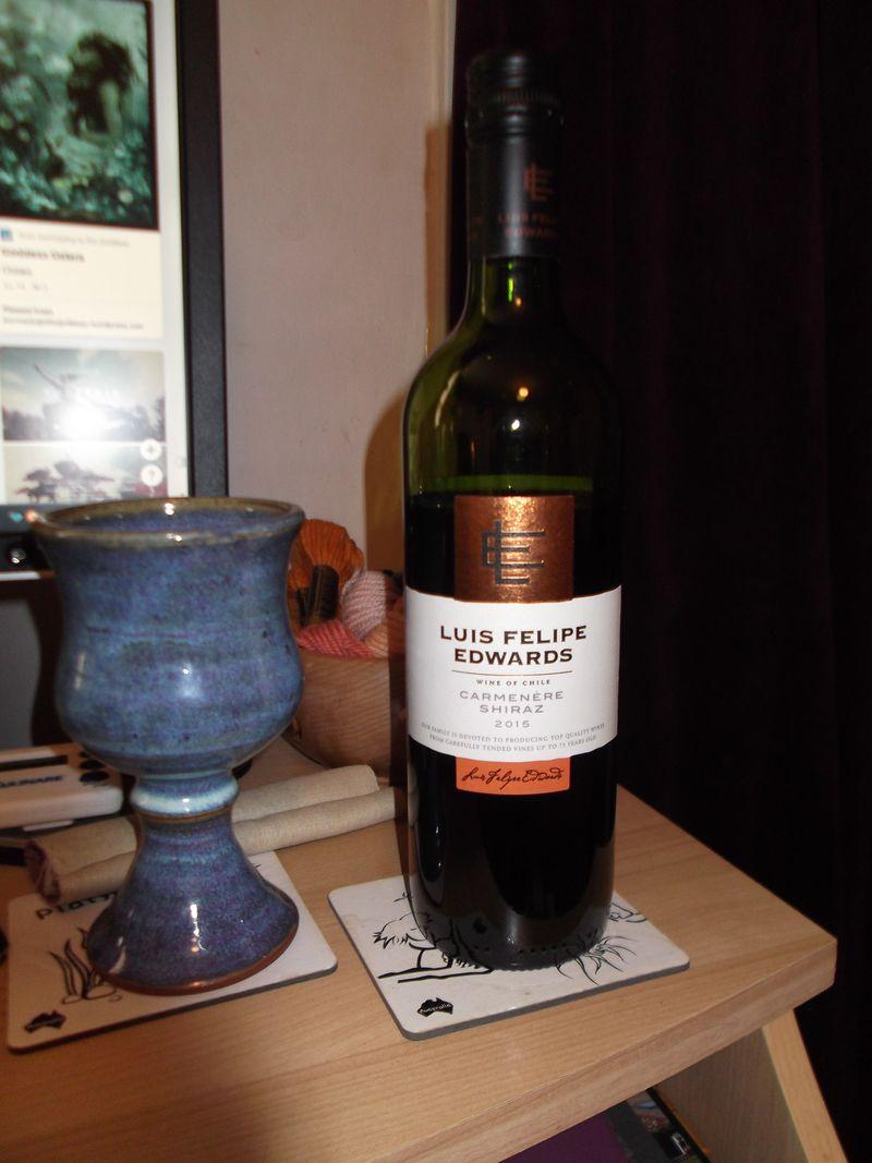 Wine, knitting 002